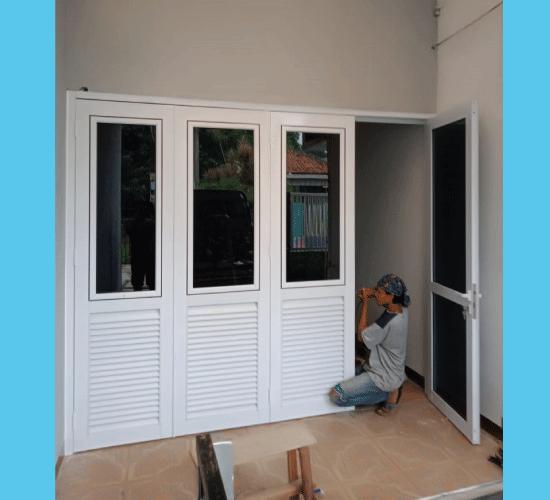 Pintu Lipat Garasi Aluminium